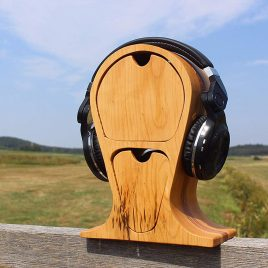 Kopfhörerständer aus Birke und Multiplex