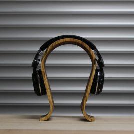 Kopfhörerständer aus Birke-Multiplex