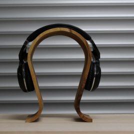 Kopfhörerständer aus Ahorn-Multiplex