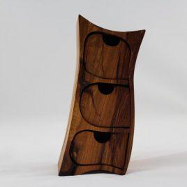 Kästchen aus Plaumenholz mit drei Schüben