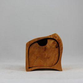 Kästchen aus Erle mit einem Schub und einem Geheimfach