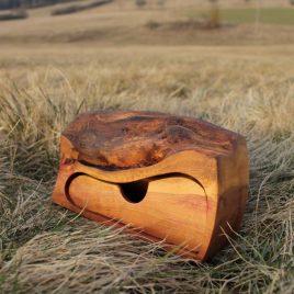 Kästchen aus Pflaumen-Holz