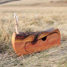 Kästchen aus Pflaumen-Holz für den Schreibtisch