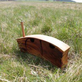 Kästchen aus Pflaumen-Holz für den Schreibtisch (ohne Stift)
